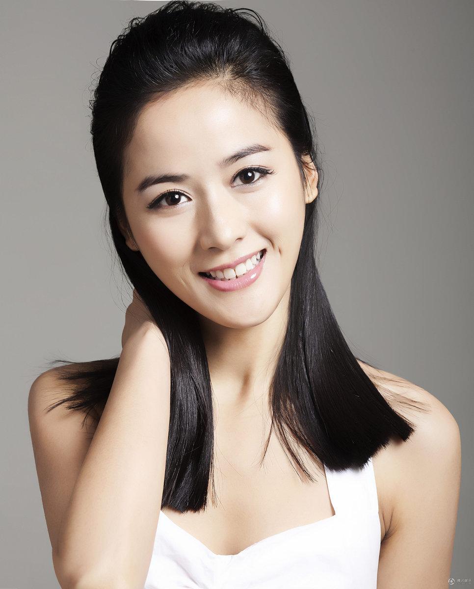 美女演员朱玲亿清新写真
