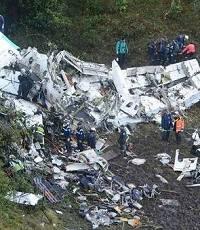 坠机幸存球员伤势照片曝光