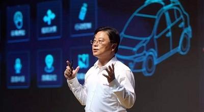 刚刚离职百度三个月的王劲带来了一辆中国最快无人驾驶车