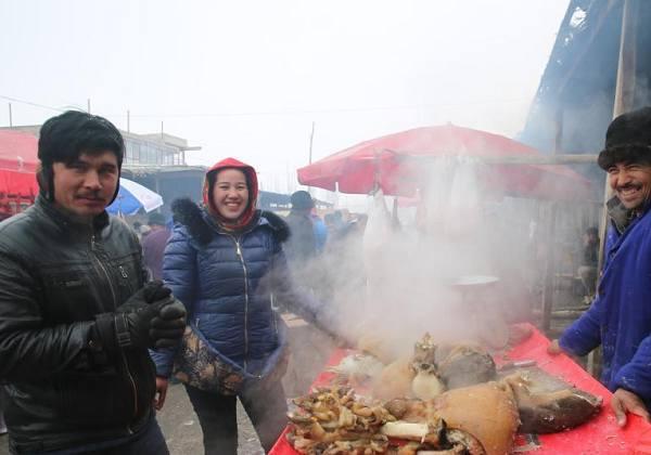新疆喀什岳普湖巴扎乡土气息浓郁