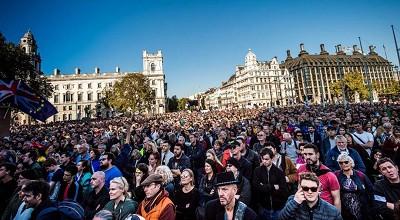 不想脱欧 70万人伦敦大游行 梅姨十分感动然后拒绝了他们