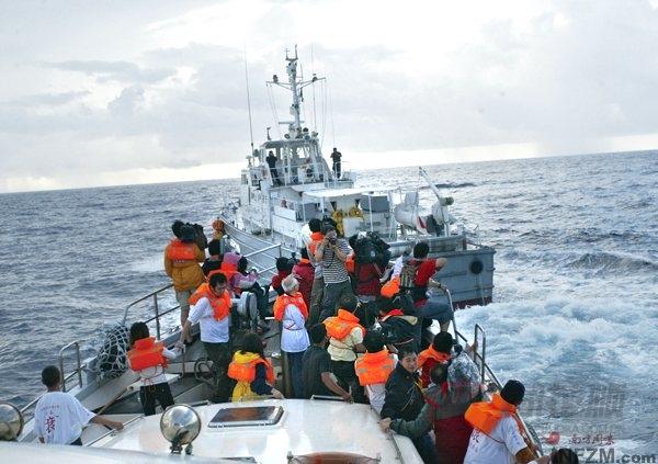 保钓船队上岛或遭日本毒手 驻港解放军将全面报复 三图片