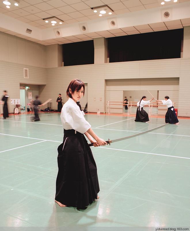 日本女仆给宅男提供的特殊服务