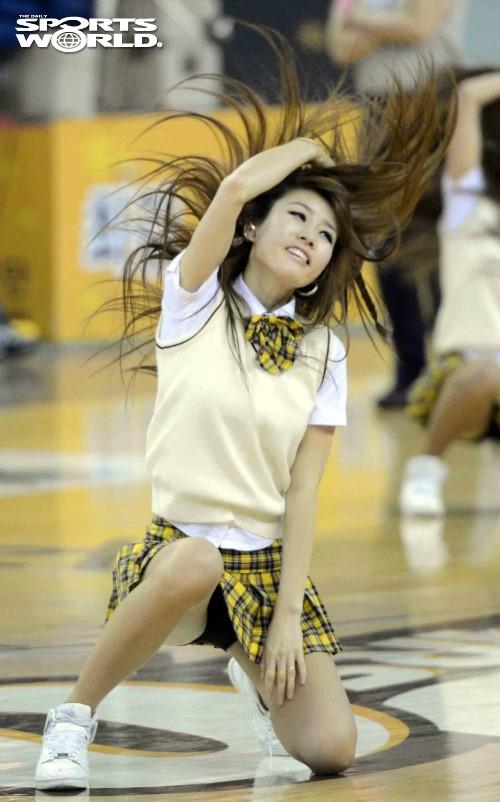 跳到走光的韩国篮球啦啦队 高清频道