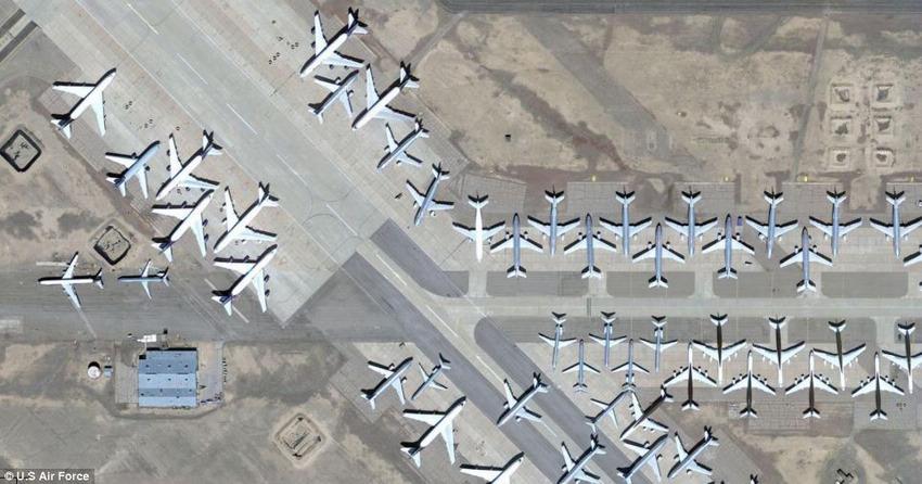 """探秘美国沙漠地带飞机""""墓地"""""""