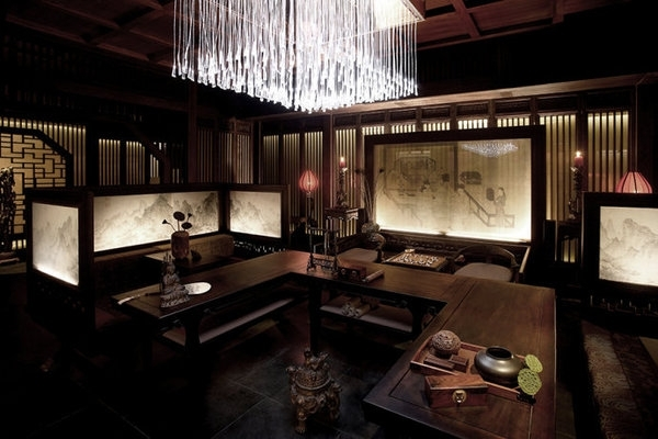 酒店设计由一系列院舍结集而成,客舍和套房汲取传统中国建筑的美学