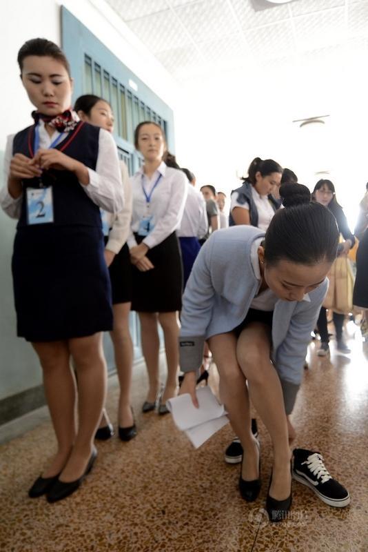济南300名女大学生应聘空姐
