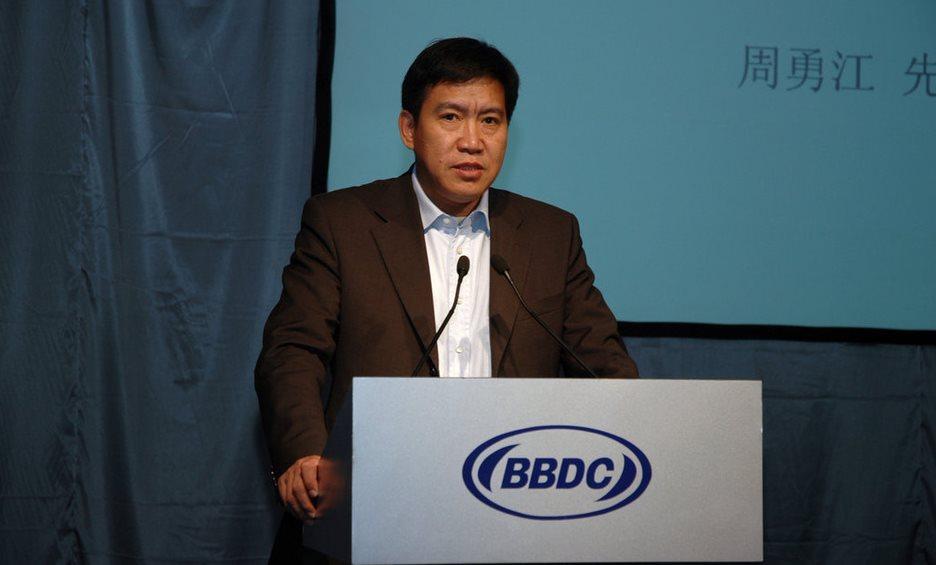 2013年,反腐更为深入,原一汽集团副总经济师周勇江更是在2月底被突然