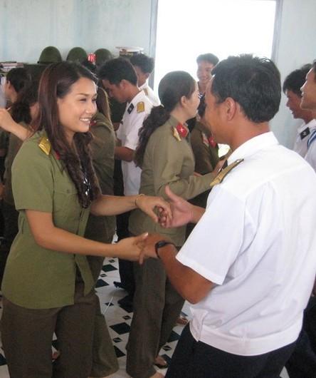 组图:缅甸果敢女兵大量真实照片曝光