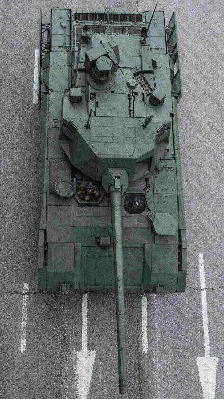 俄坦克装甲车俯视图曝光:加长就是高科技(组图)