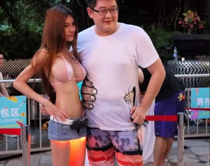 中国美女黑客将工具藏在高跟鞋中躲避安检