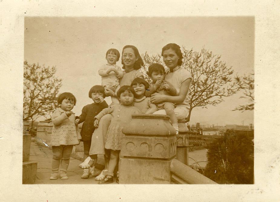 花样年华:永恒在黑白照片中的民国女性