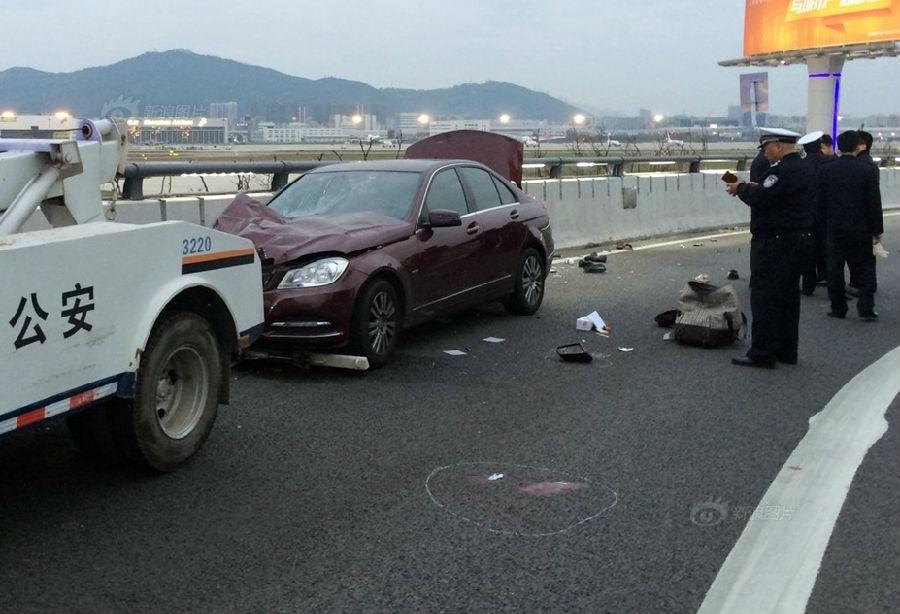 24岁女司机深圳机场驾奔驰撞人致9死