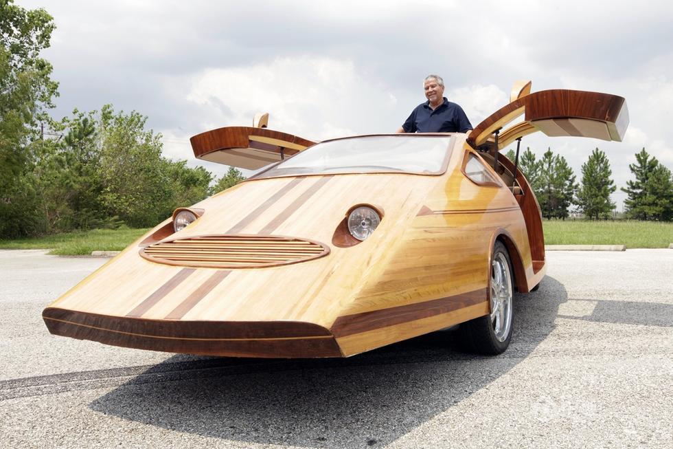 cohen手工打造了一辆完全用木头制造的汽车