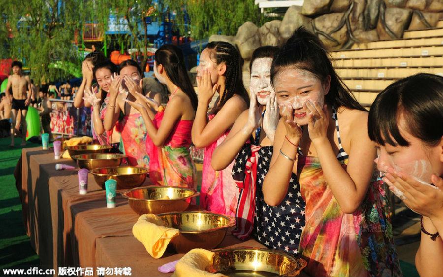 杭州万人素颜相亲 女生当场洗脸男生测胸围