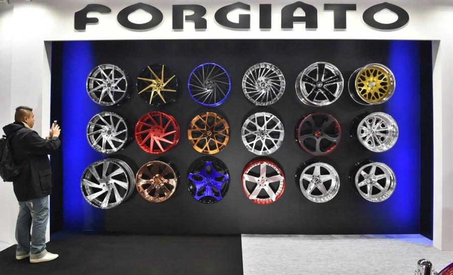 轮箍制造商 forgiato 的展台