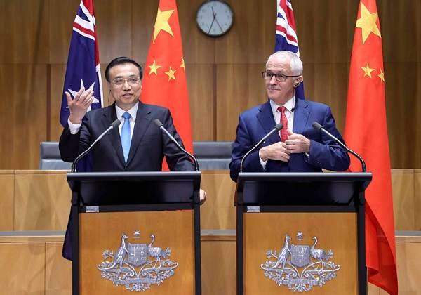 李克强与澳大利亚总理特恩布尔记者会上表情包