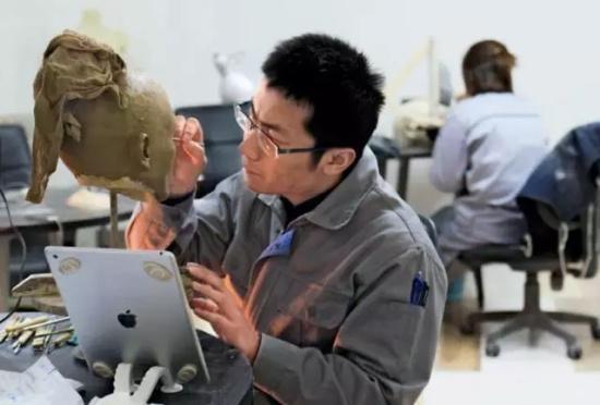 辣眼睛!探访充气娃娃工厂:有的需要上万元 - 颜神闲人 - 颜神闲人