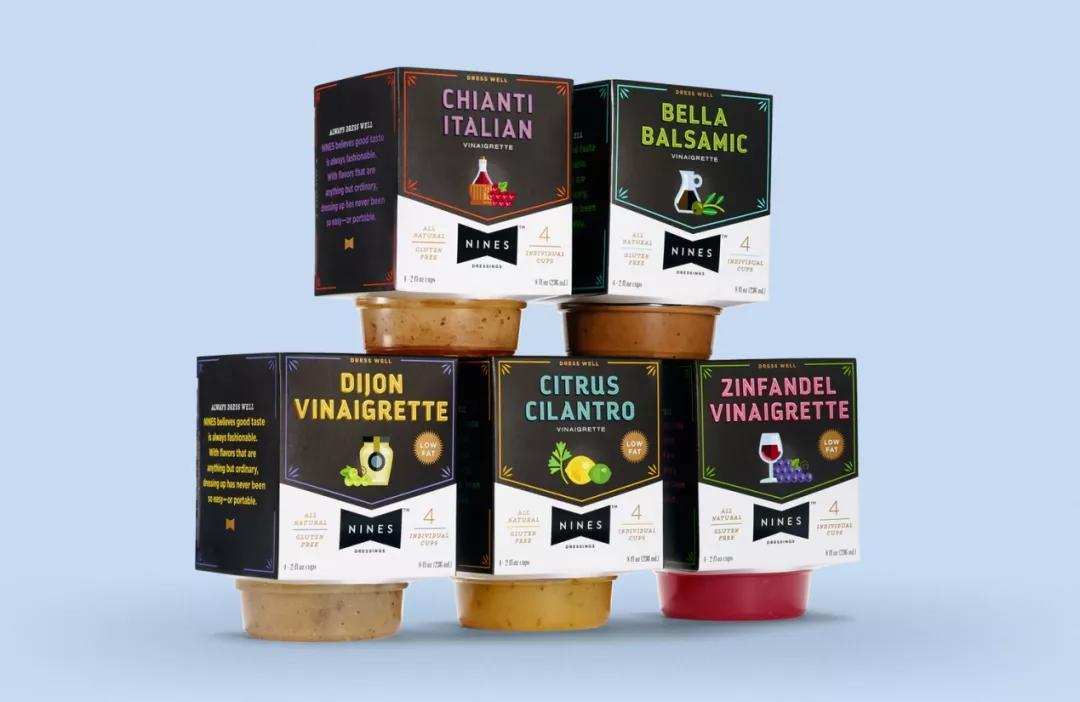 调味品能够提升菜品的色、香、味。显然,对于烹饪而言,调味品本身起着巨大的作用。然而,调味品的包装设计往往单调乏味,这或许是一个隐形的巨大商机。   之前我们发过一篇调味品包装设计的文章13款调味品包装,点亮你的厨房!。今天我们发布调味品包装系列(二),34款高颜值的包装设计,玩转食物艺术,吃酱也要时尚感!   01、CAVEMAN烧烤酱     CAVEMAN烧烤酱   图片来源:The Dieline   Brandever设计的这款Caveman烧烤酱适合那些想要做出正宗且浓郁口感的消费者。