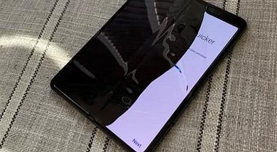 三星折疊屏手機評測故障頻出 臨時取消中國發布會