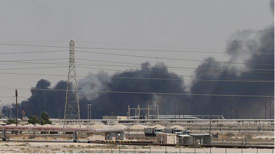 【重点】抽烟!沙特油田遇袭,油价暴涨,黄金有何影响?