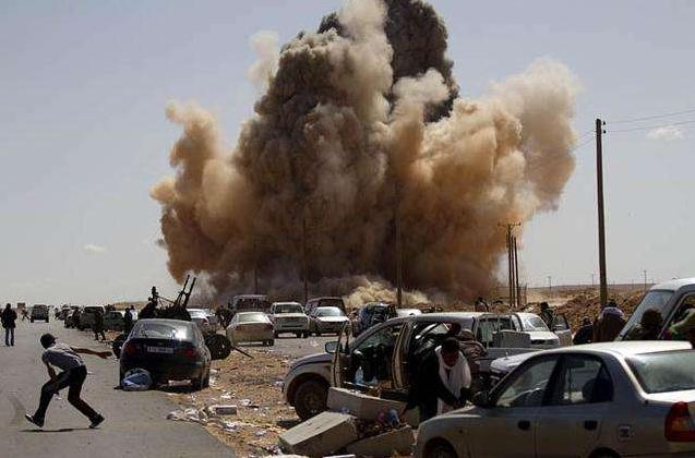 利比亚东部武装空袭首都南郊 美驻利比亚士兵撤离
